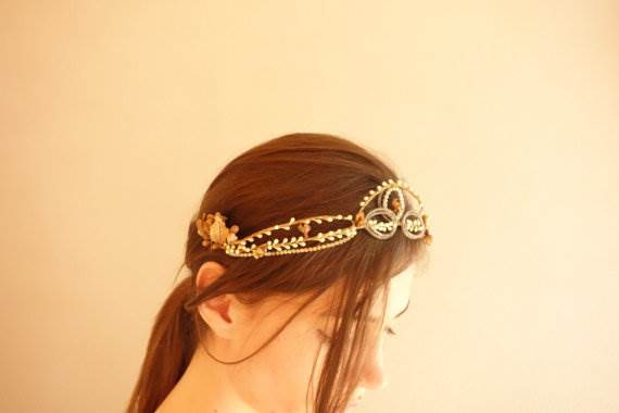 1910's antique wax tiara via cubesandsquirrels