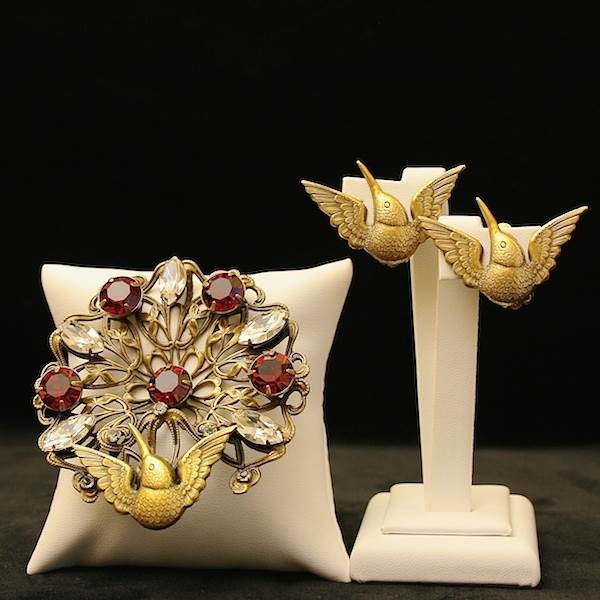 'Bow' Brooch, Theodor Fahrner  Available at Gemma'Hummingbird' Parure, Joseff of Hollywood  Available at Gemma Redmond Vintage  Redmond Vintage