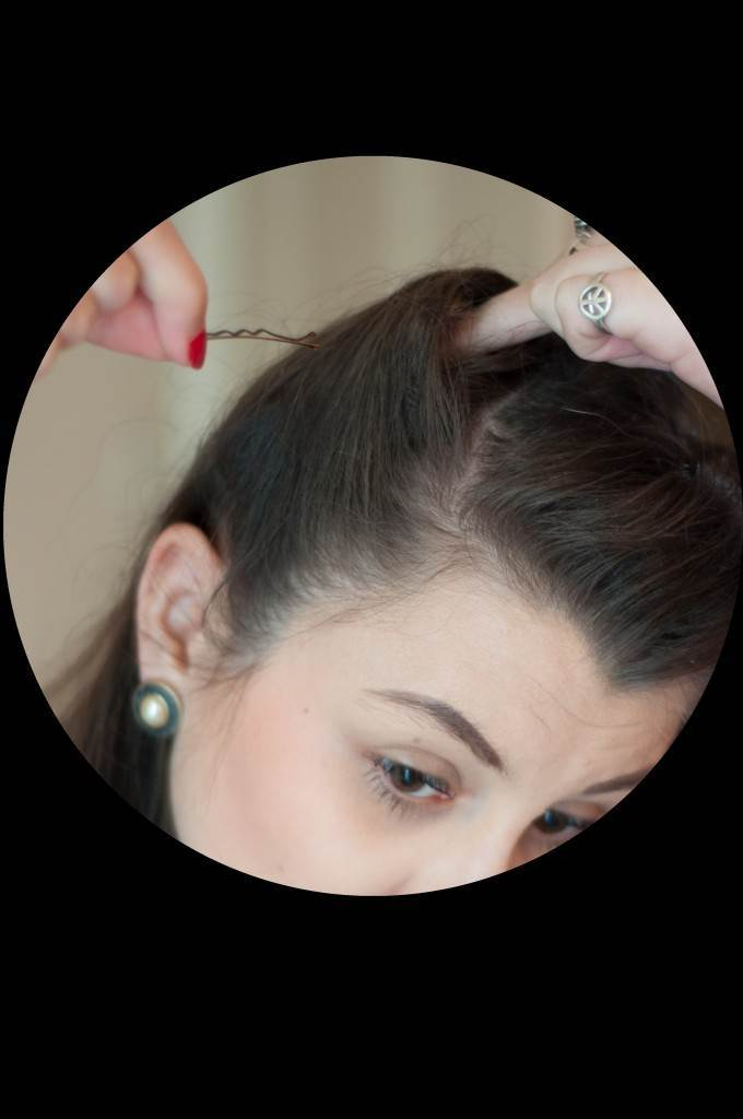 Vintage Victory Roll Tutorial from the Victory Salon via The National Vintage Wedding Fair 10
