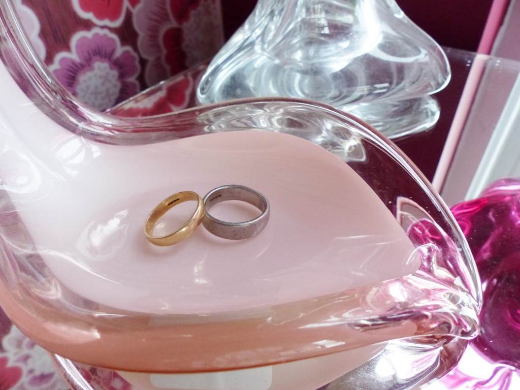 How to choose your wedding ring as featured on National Vintage Wedding Fair blog