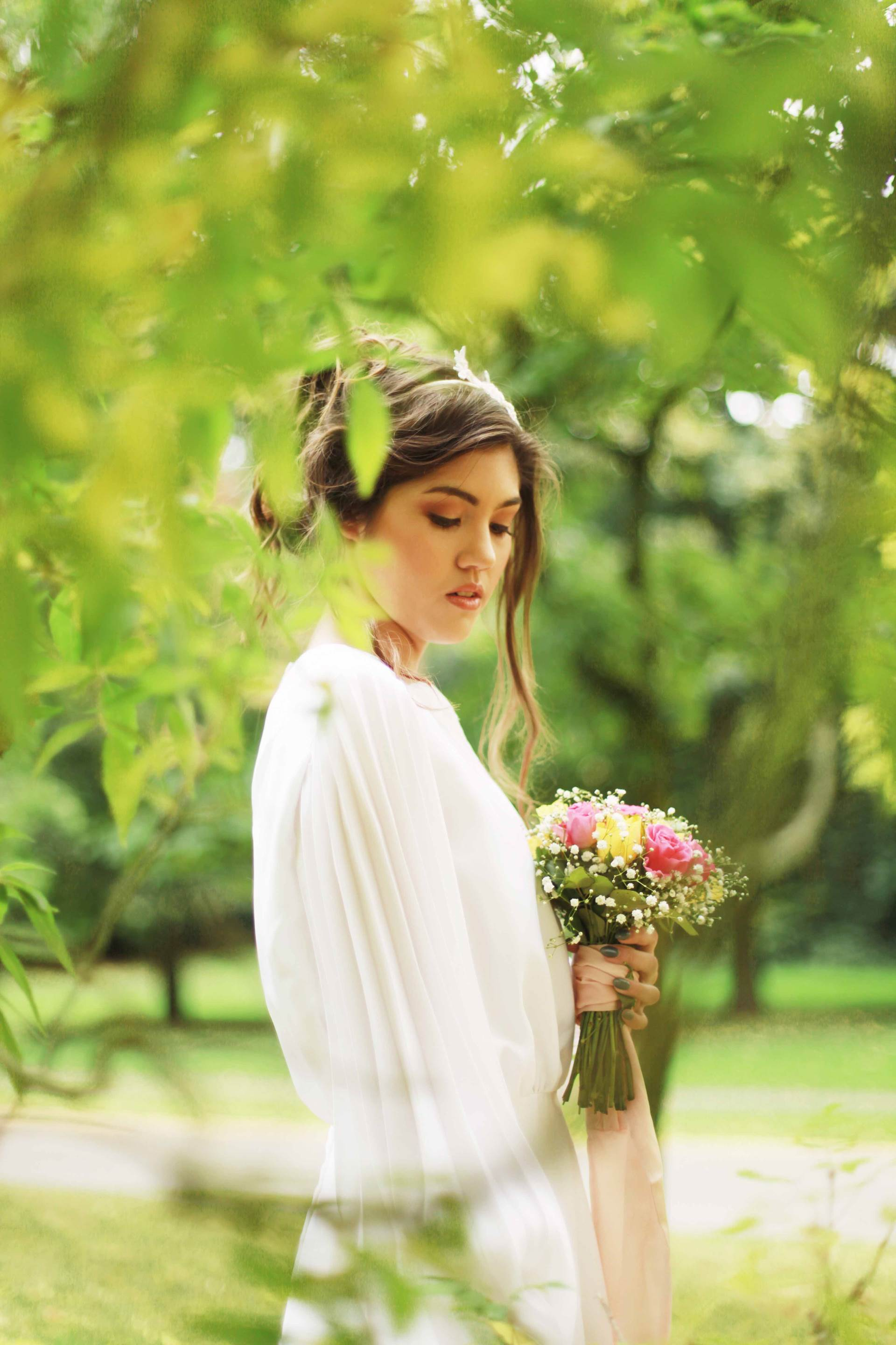Autumn Styled Wedding Shoot by Nina Pang with vintage wedding dresses as featured on The National Vintage Wedding Fair blog