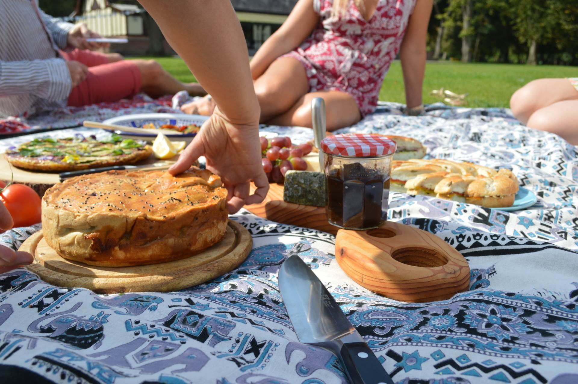 6 reason to have a picnic wedding breakfast