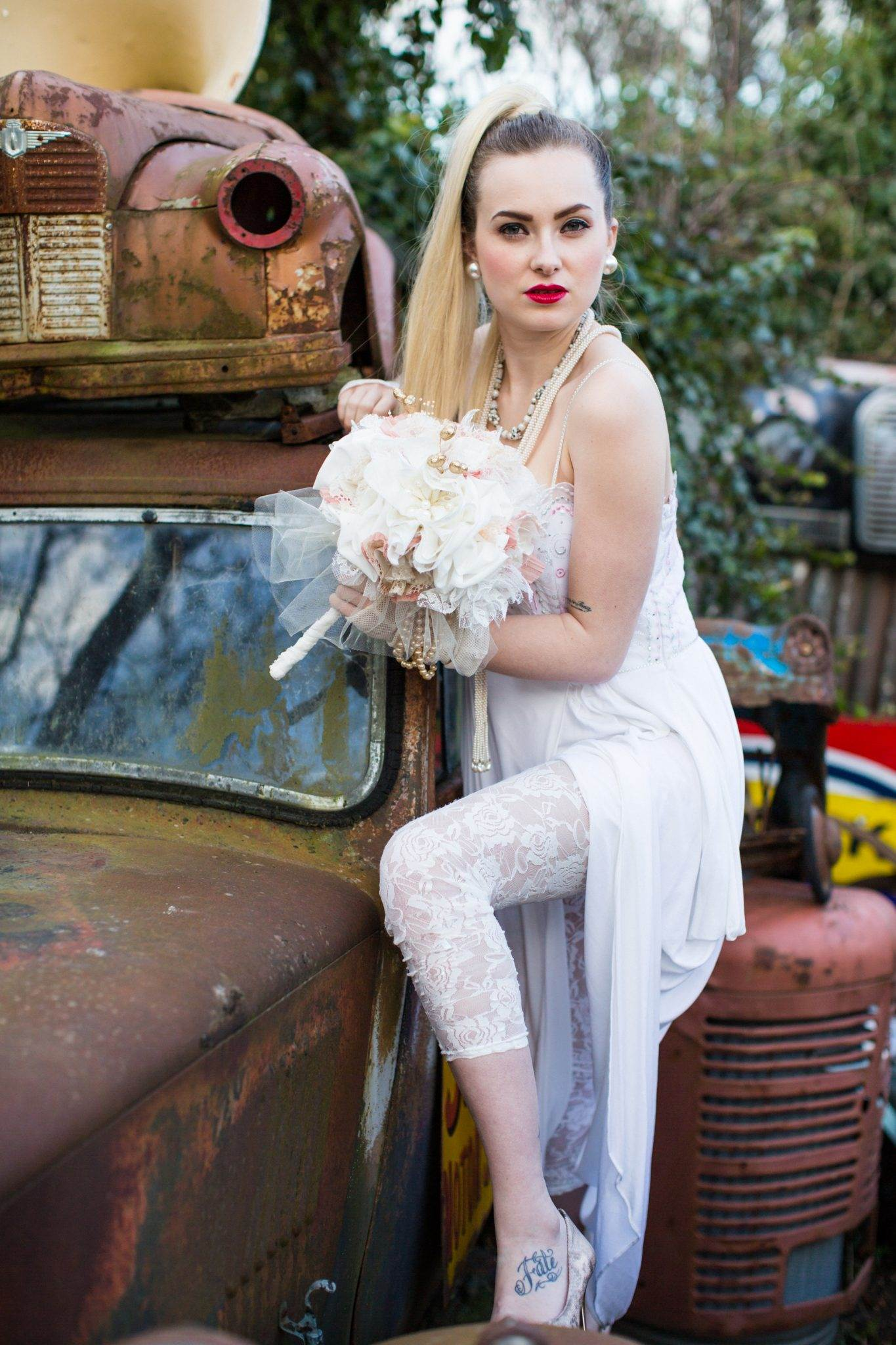 4 vintage 1980s wedding looks for an alternative bride