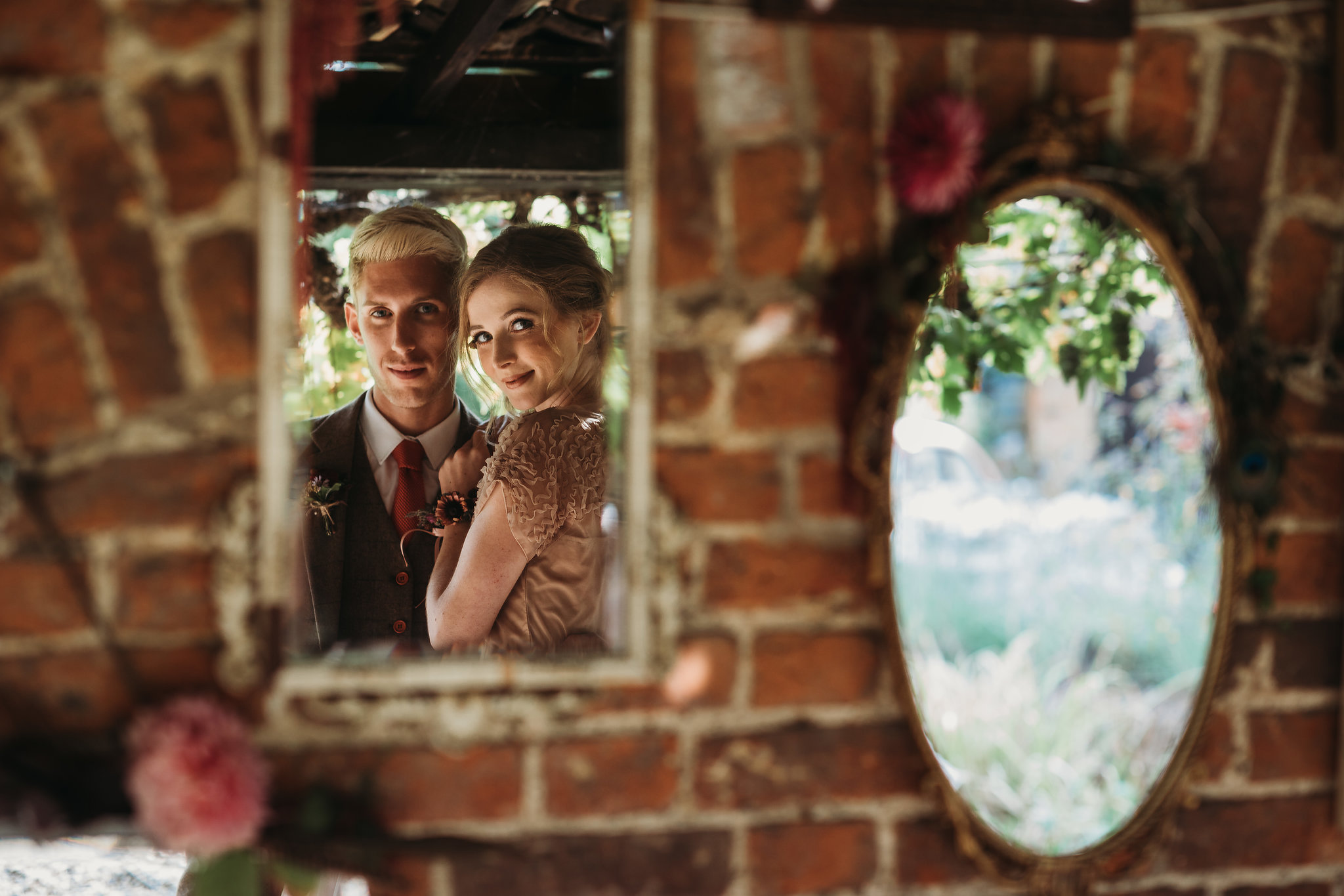 Romantic Wedding Inspiration with Intimate Vintage Vibes